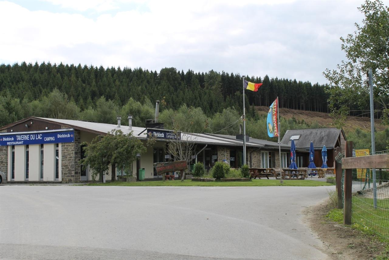Restaurant du camping du lac seasonal restaurant for Camping lac du bourget piscine